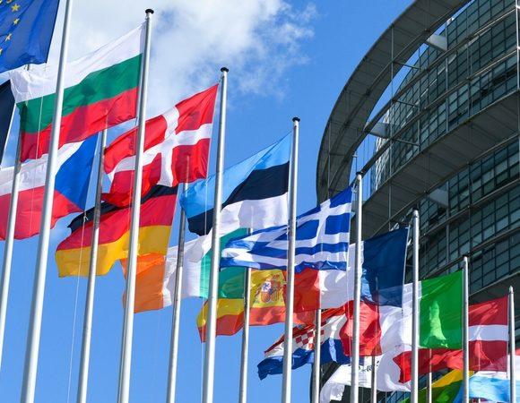 Lanceurs d'alerte : vers une protection européenne
