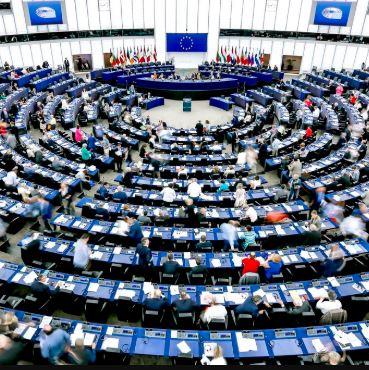 Publication des rendez-vous des parlementaires avec les lobbys : les eurodéputés montrent l'exemple